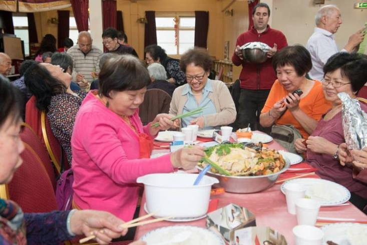 The Chinese equivalent of breaking bread together